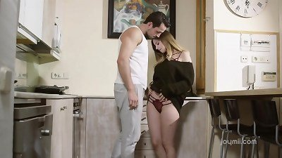 Stella Cox - love Story Has A continue In The Kitchen