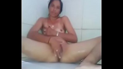 Indian aunty in baathroom vagina with fingering